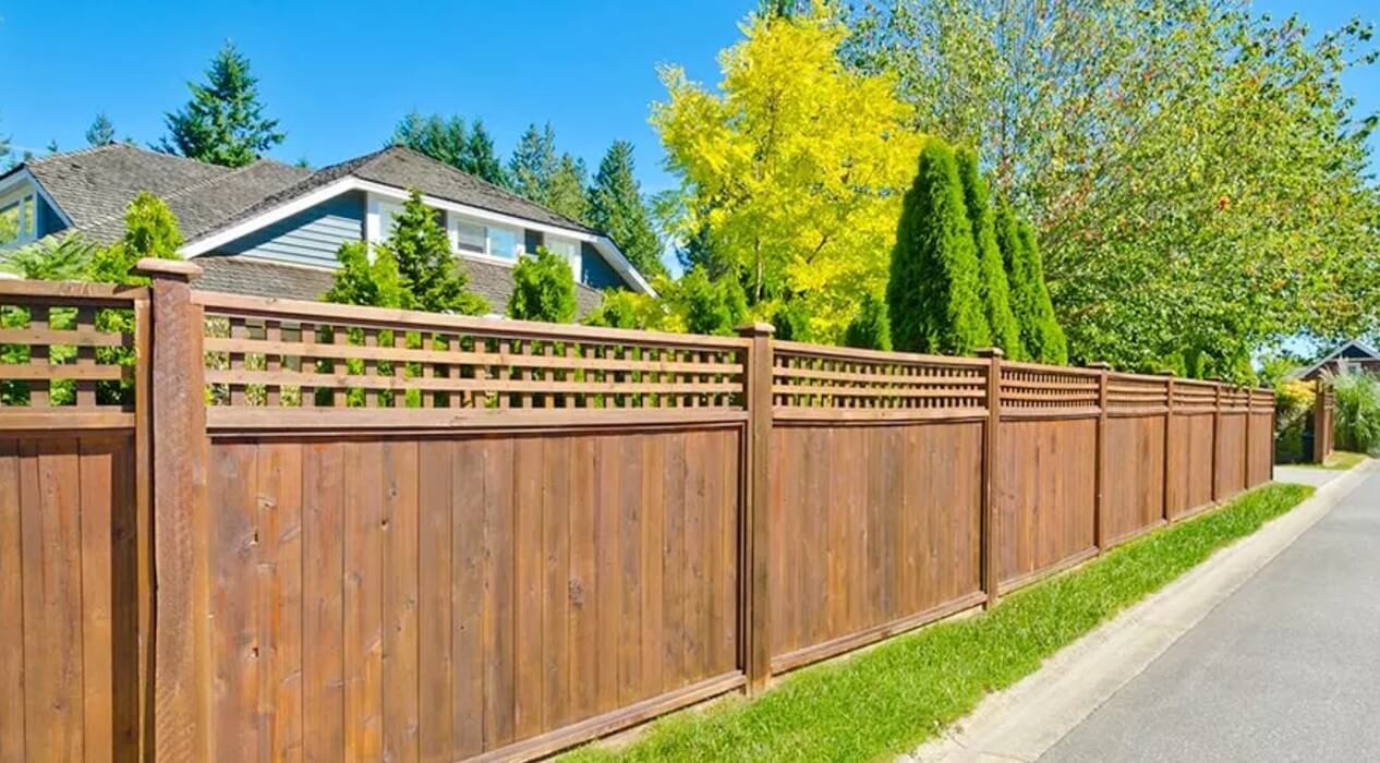 timber fencing materials - the temporary fencing shop TTFS